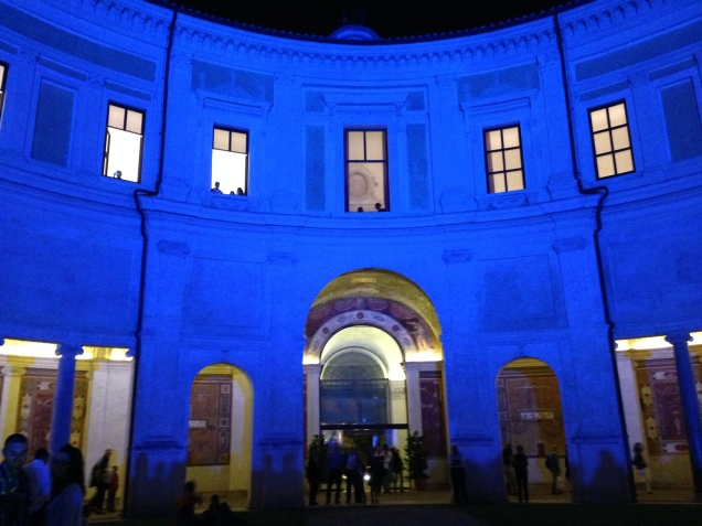 Villa Giulia illuminata durante la serata dedicata all'udito