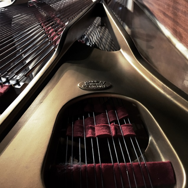 inside-the-piano
